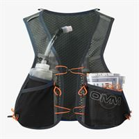 OMM Trailfire Vest Black in use